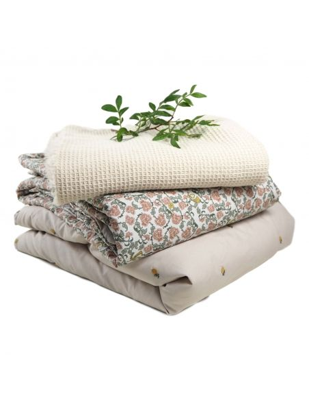 Garbo & Friends - Floral Vine Filled Blanket red - 1